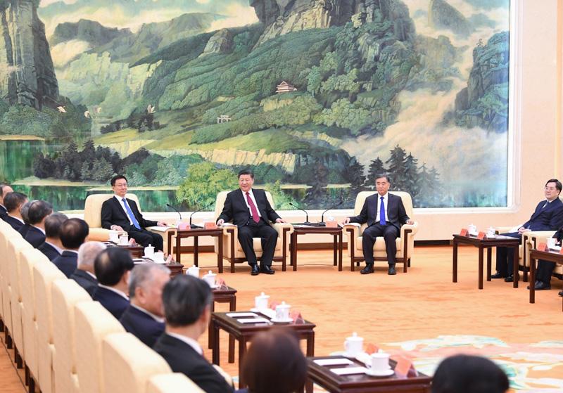 1月28日,习近平、汪洋、韩正等在北京人民大会堂同党外人士欢聚一堂,共迎佳节。